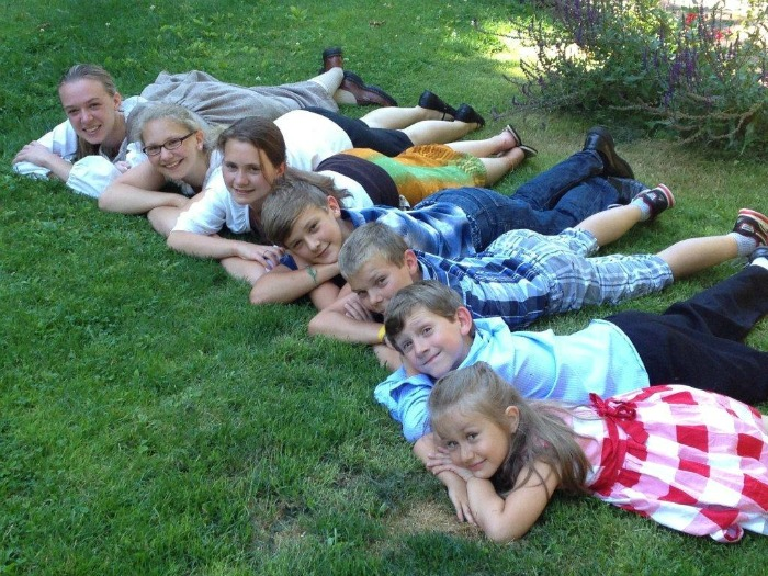 Bonnie Landry homeschools her seven children on Vancouver Island, where she shares her wisdom and advice with other homeschoolers