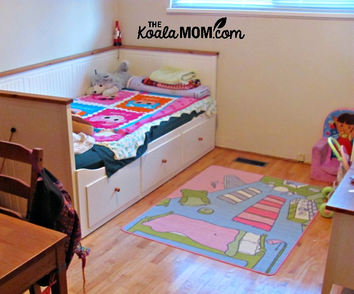 Kids area rug - an easy way to make a house a home