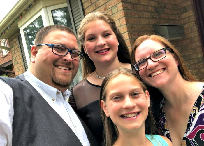 Craig and Wendy Silva and their daughters