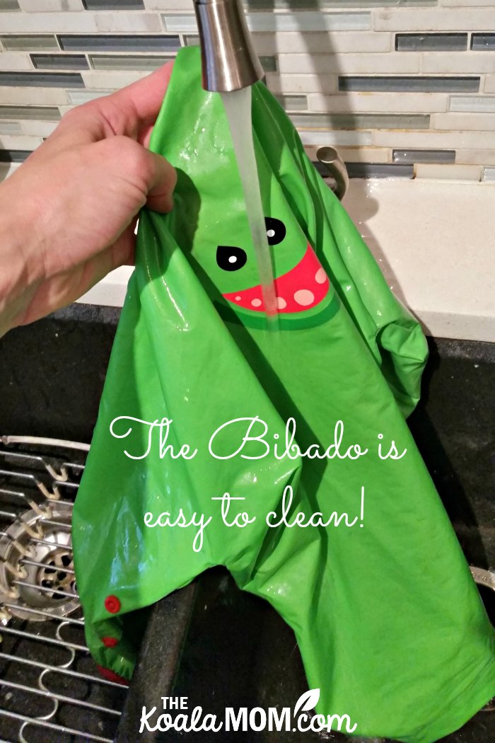 The Bibado baby bib is easy to wash!