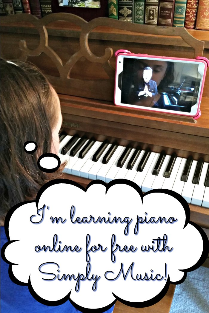I'm learning piano online for free with Simply Music!